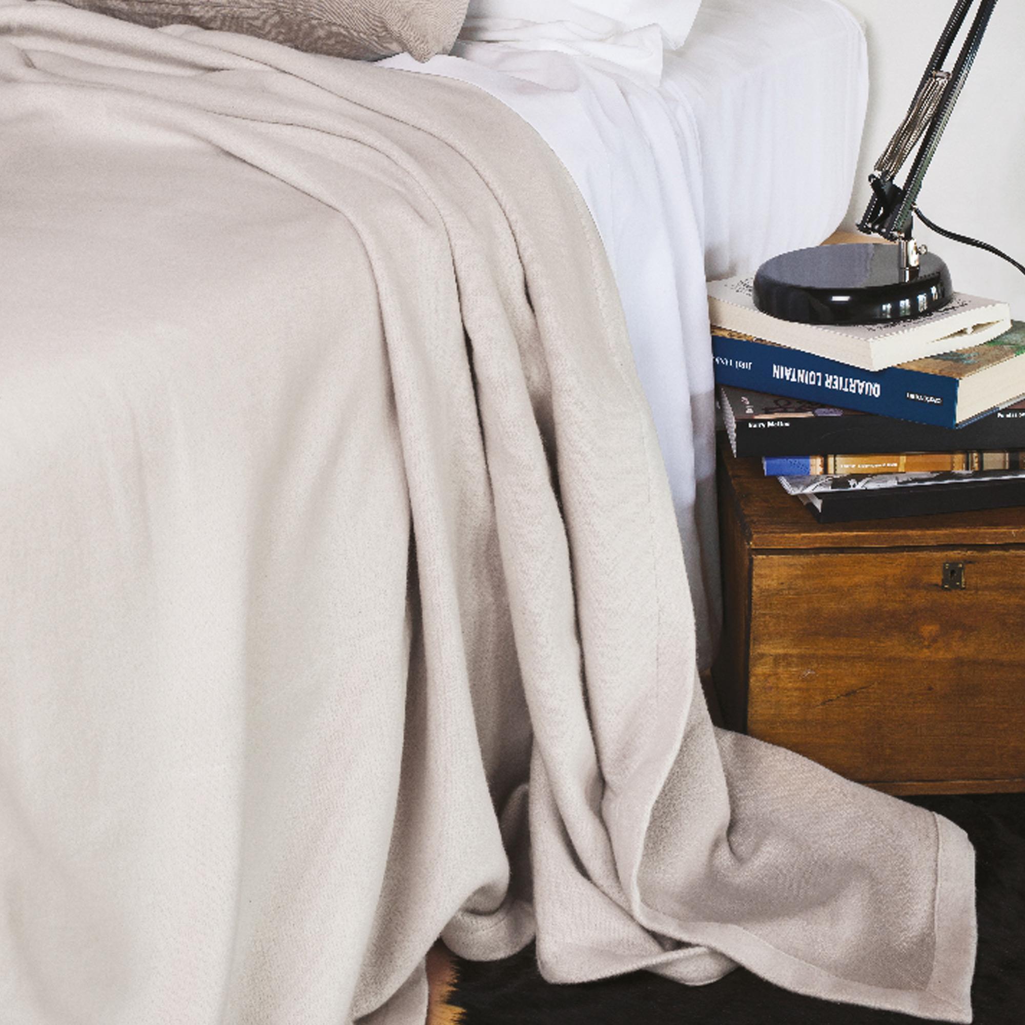couverture t 240x300 cm 100 coton 260 g m2 provence bicolore rose poudr perle linnea. Black Bedroom Furniture Sets. Home Design Ideas