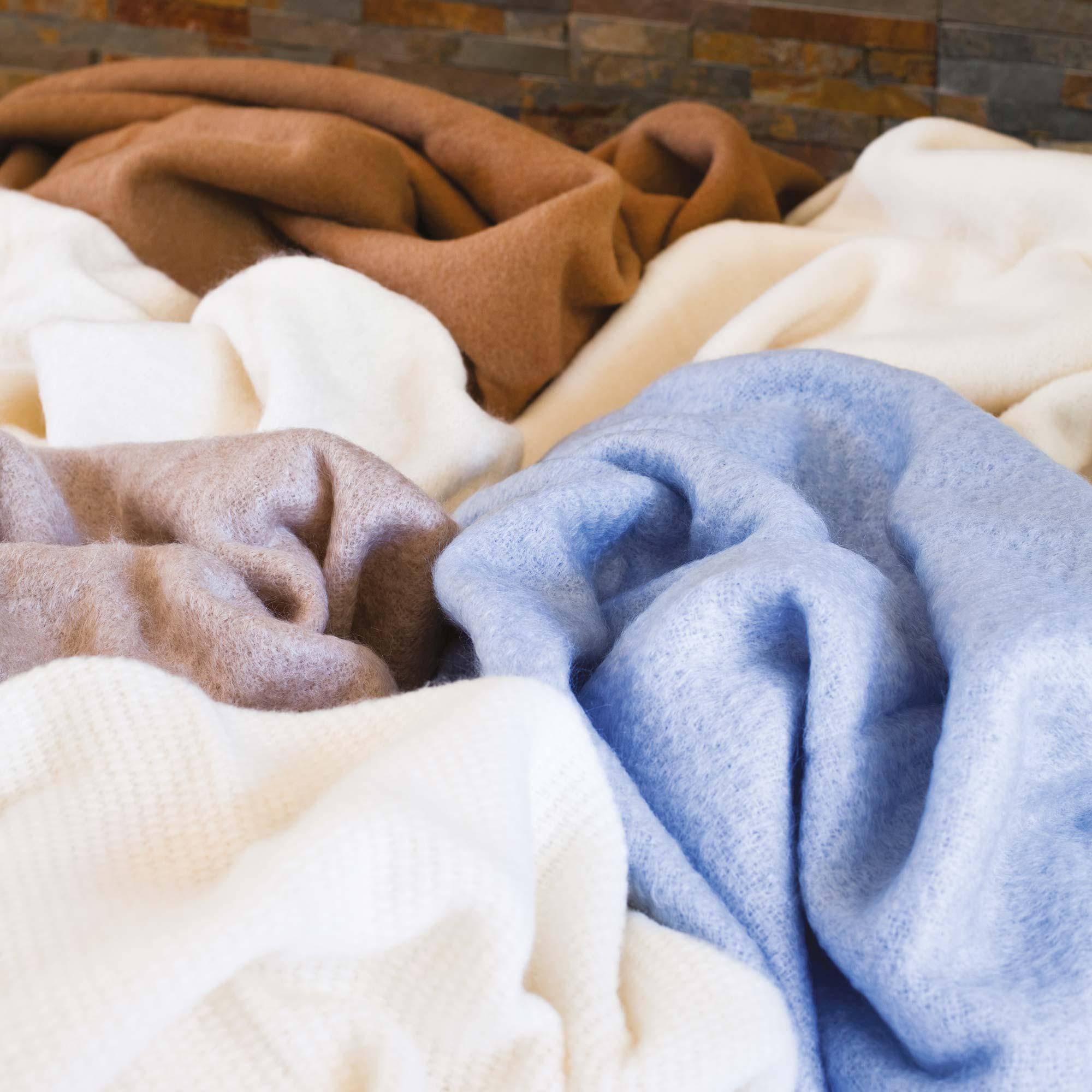 couverture laine mohair 220x240 cm thesee marron taupe linnea linge de maison et. Black Bedroom Furniture Sets. Home Design Ideas