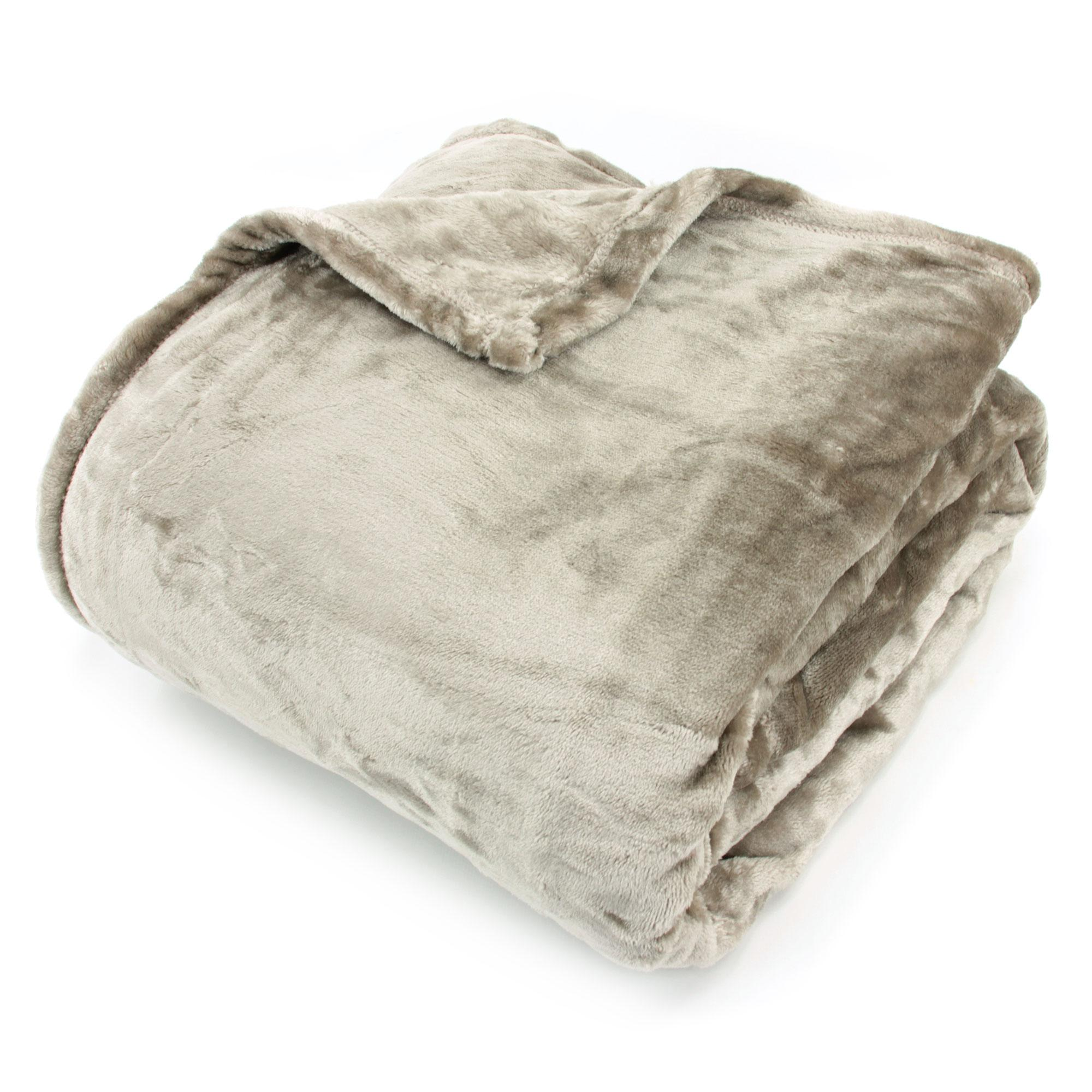 couverture microfibre 220x240 cm velvet taupe linnea linge de maison et. Black Bedroom Furniture Sets. Home Design Ideas