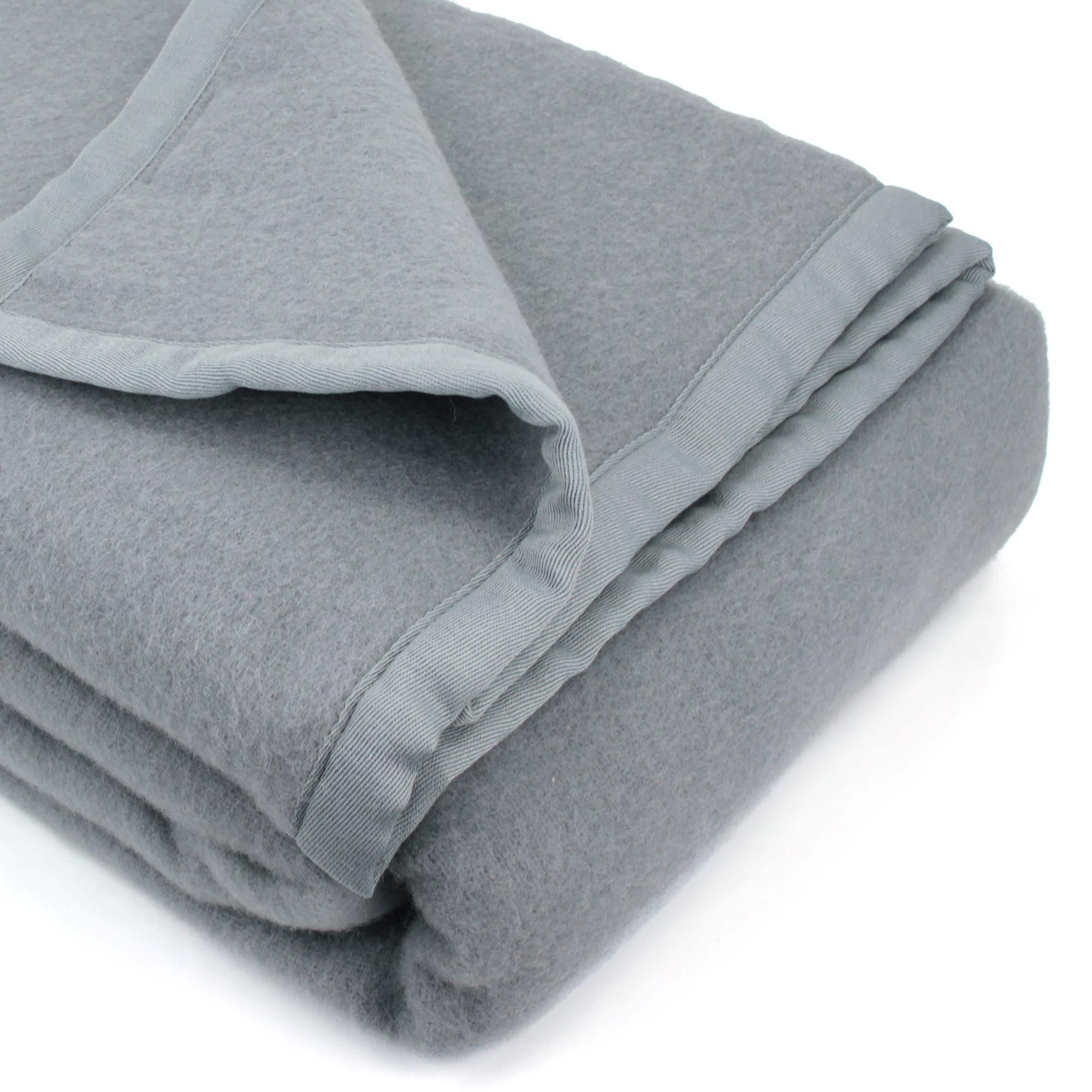 couverture 220x240 cm laine lambswool victoria graphite linnea linge de maison et. Black Bedroom Furniture Sets. Home Design Ideas