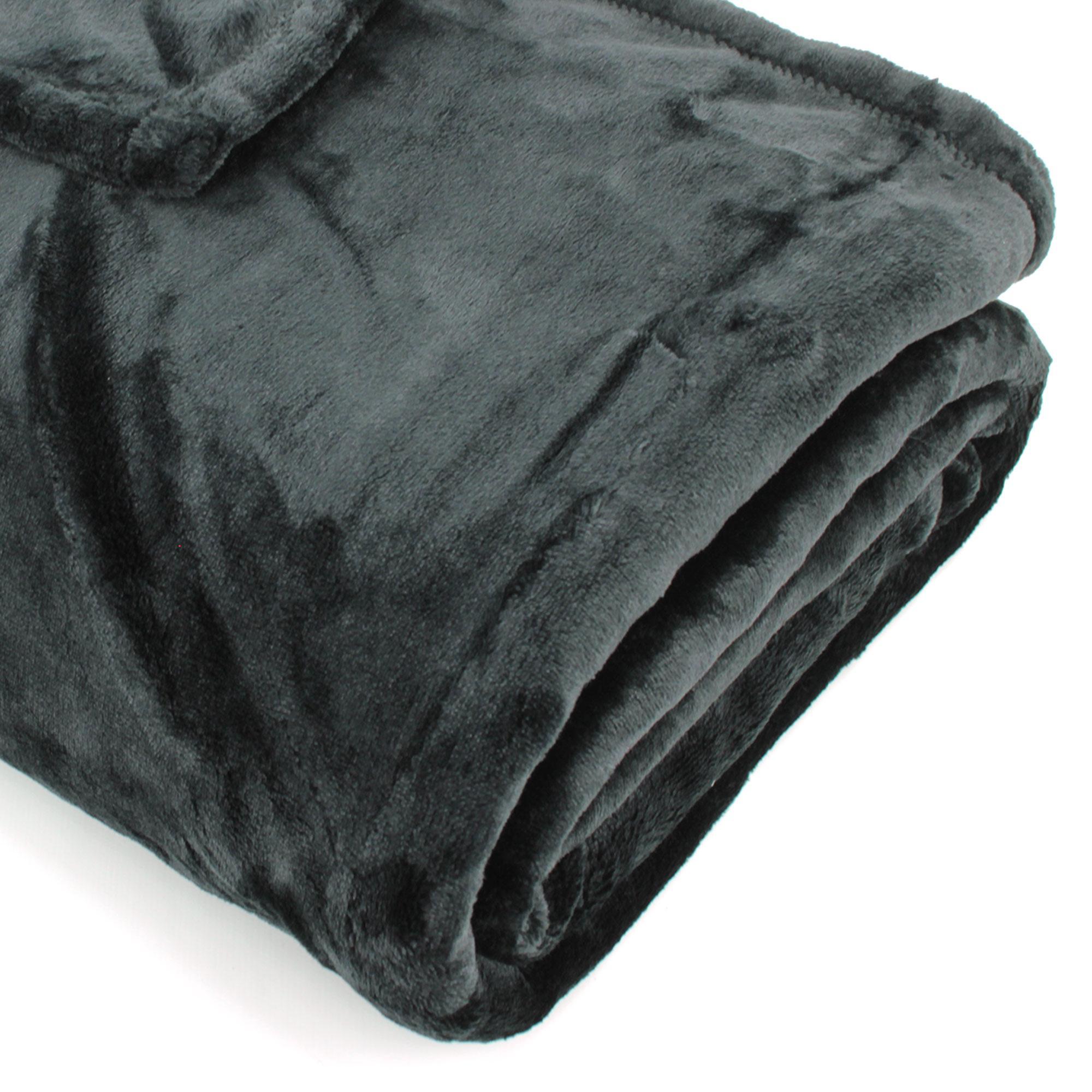 plaid microfibre 130x150 cm velvet noir linnea linge de maison et. Black Bedroom Furniture Sets. Home Design Ideas