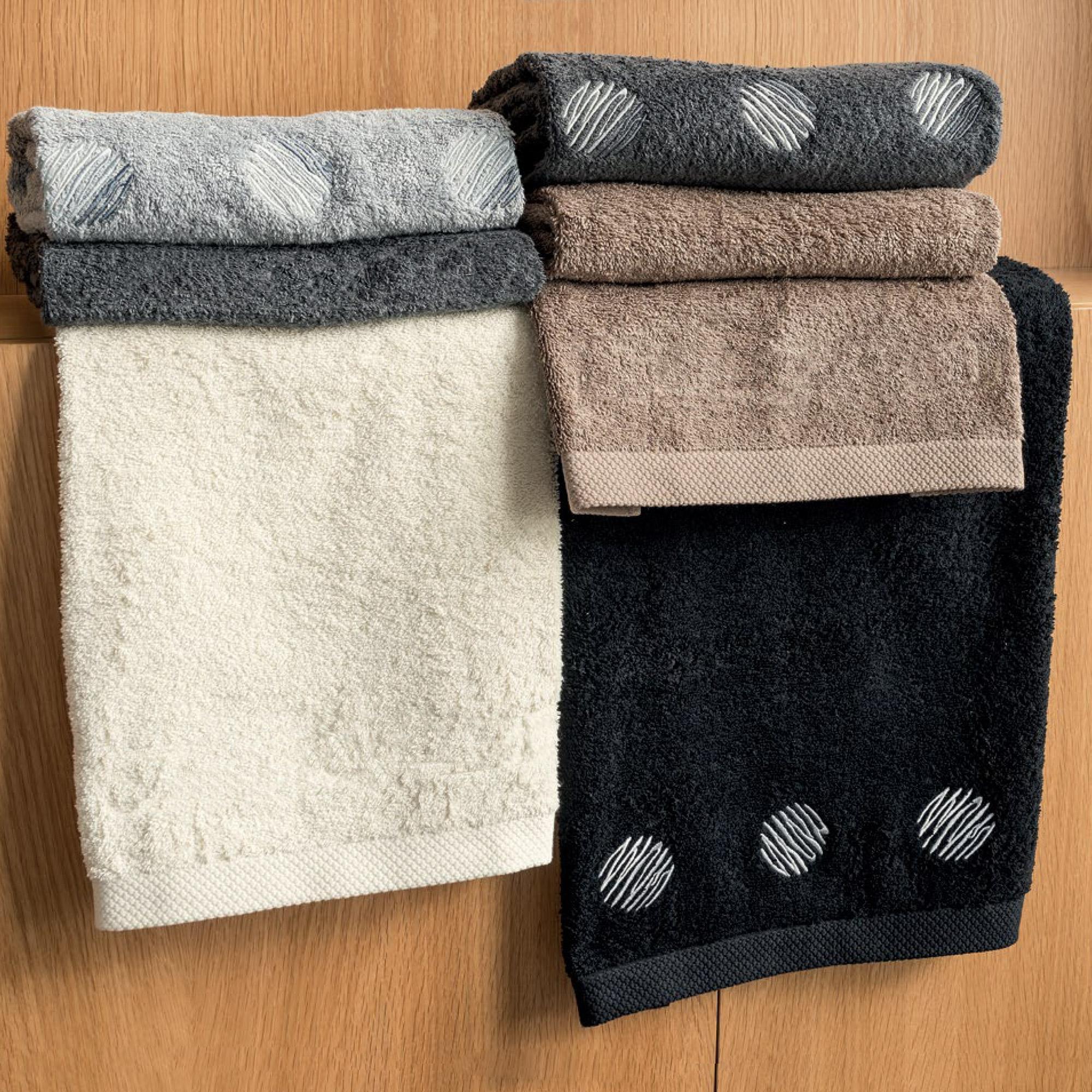 Serviette-invite-33x50-100-coton-550g-m2-PURE-GLOBO-Noir